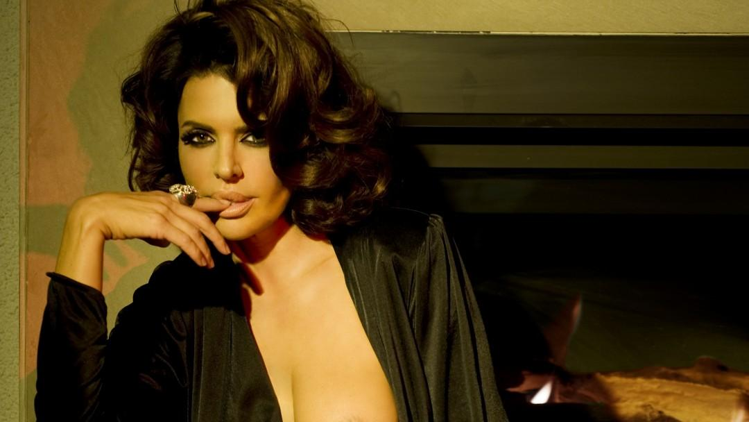 A Covert Affair Starring Lisa Rinna