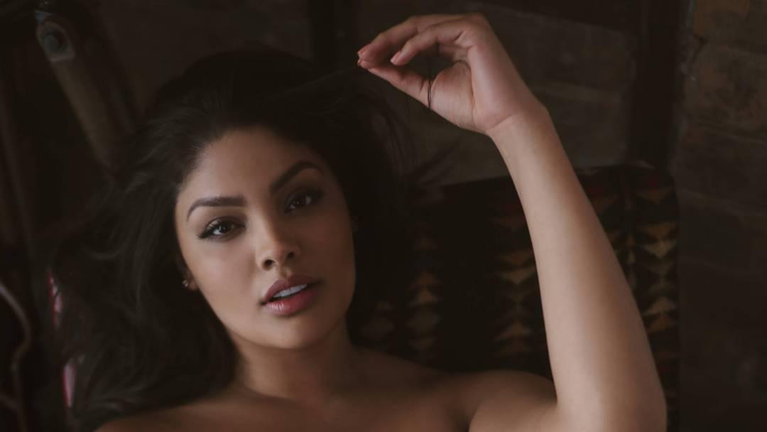 La Reina Starring Jocelyn Corona