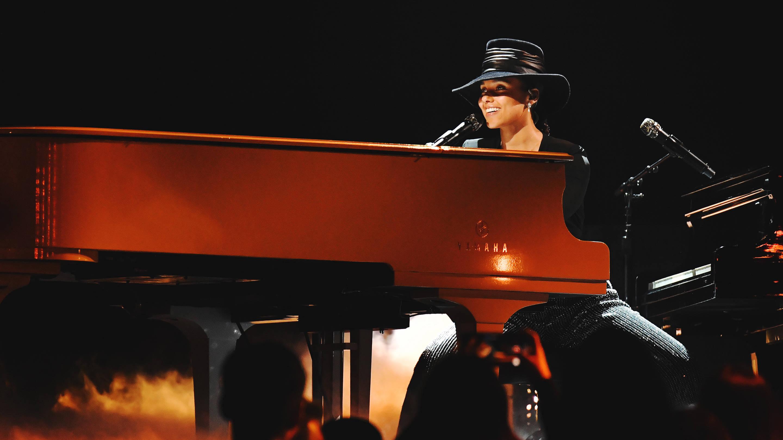 Alicia Keys grammys playboy