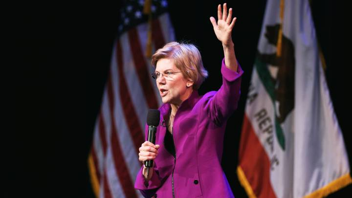 Elizabeth Warren Becomes the First Candidate to Go on the Offensive