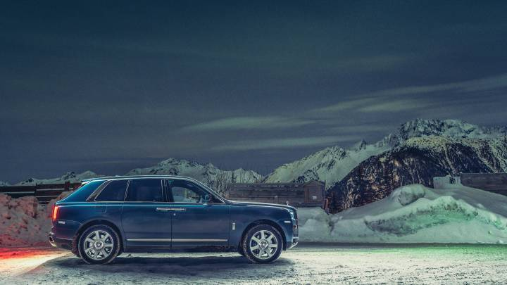What Happens to a Rolls-Royce When Rough Terrain Meets the Wheels?