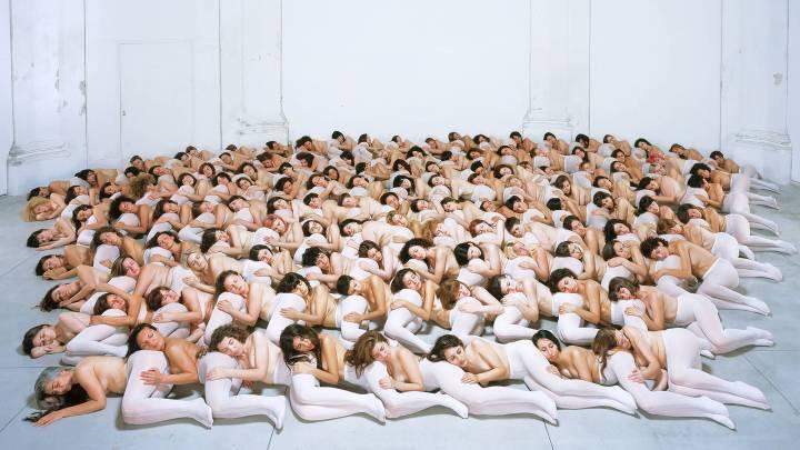 Capturing the Absurdity in Erotic Art