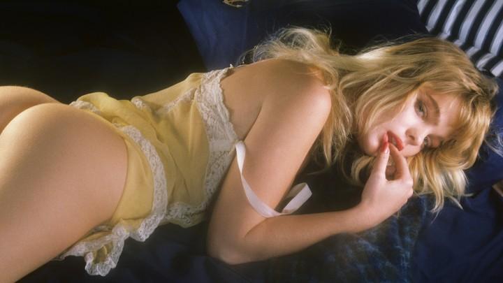 Beverly Hills Hot With Playmate Erika Eleniak