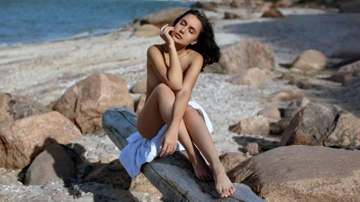 A Shore Thing With Viktoriia Makhova