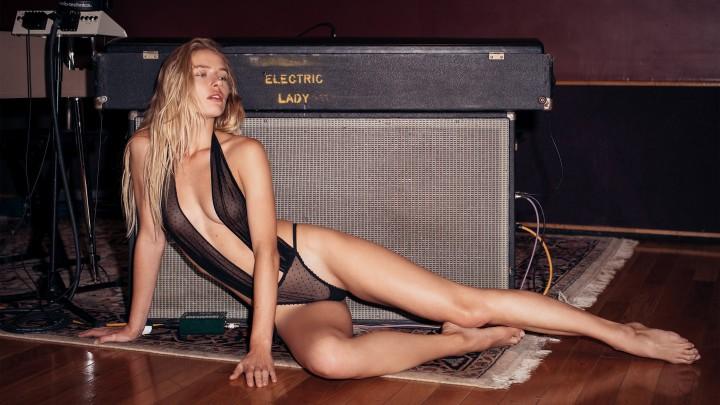 The Body Electric Starring Daria Savishkina