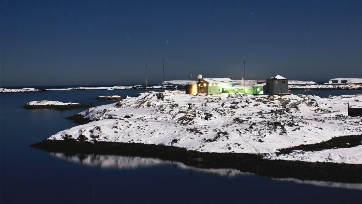 Drinking at the Bottom of the World: A Trip to Antarctica's Bar Scene