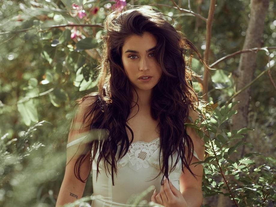 Lauren Jauregui Breaks Free