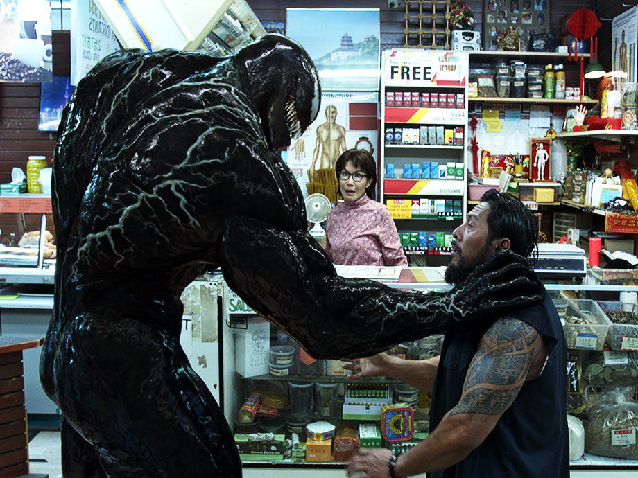 When 'Venom' Star Tom Hardy Wants to Jump Into a Lobster Tank, Let Him